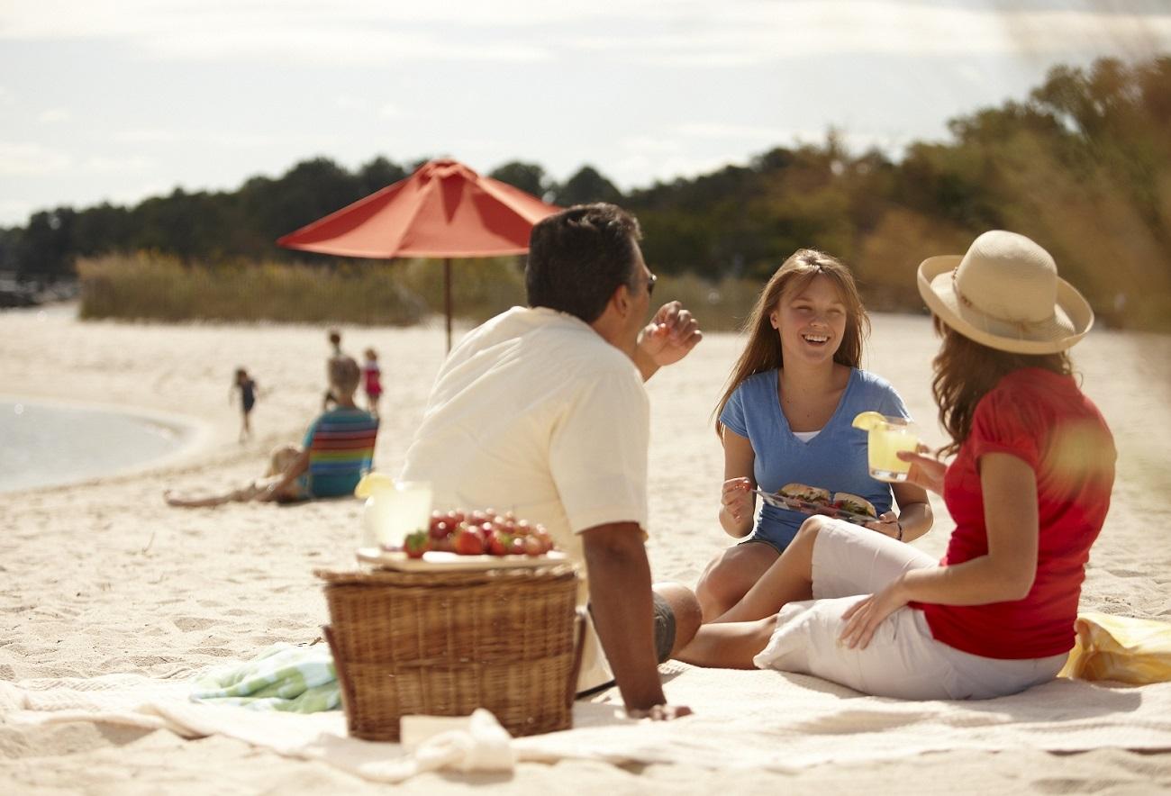 yorktown beach picnic